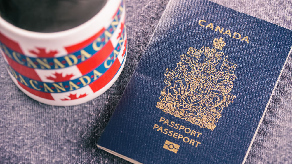 Express Entry Draw invites 700 candidates to apply for Canadian Permanent Residence